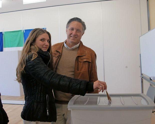 Markočič se počuti odlično, Komljanec na volišče v družbi članov gibanja