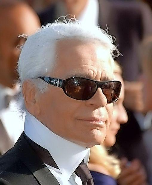 Nemški modni oblikovalec Karl Lagerfeld praznuje 85 let