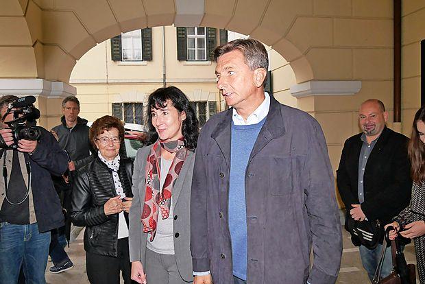 Volilna napoved RTVS kaže na zmago Pahorja v prvem krogu