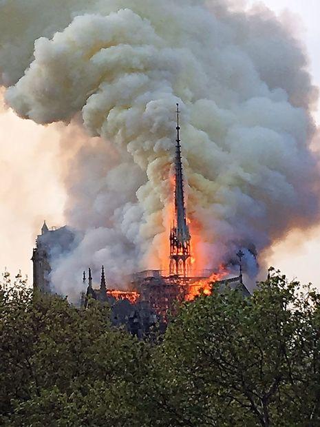 Požar, ki je spremenil Pariz
