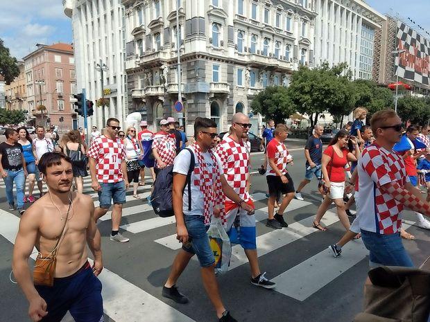 Hrvaško in Francijo prežema navijaška vročica