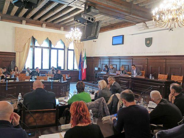 Koprski občinski svet pooblastil Bržana za zastopanje v upravnem sporu