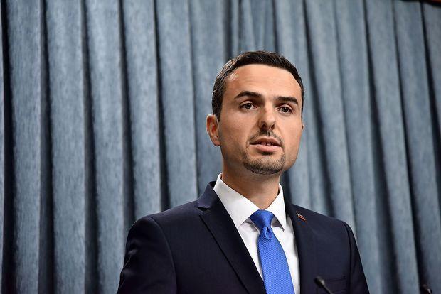 Tonin obljublja odstop na dan imenovanja ministrske ekipe