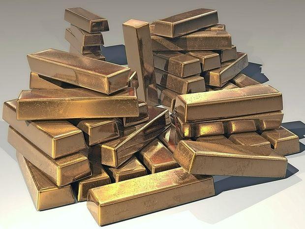Iz ruskega letala so padle več kot tri tone zlata