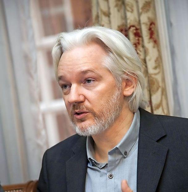 ZDA Assangea obtožile še vohunstva
