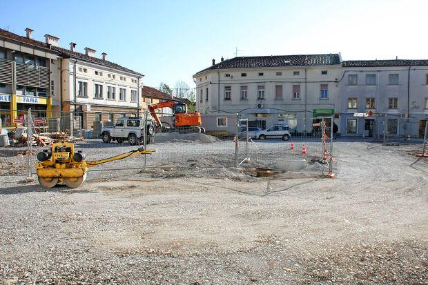 Bo trg parkirišče ali dnevna soba mesta?