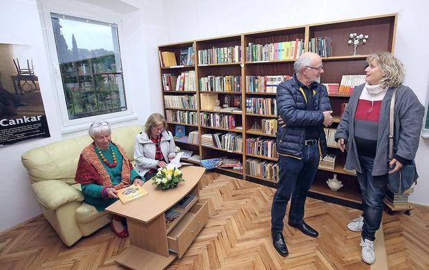 V Hiši kulture tudi vaška knjižnica