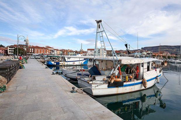 Občina Izola: Novega župana čakajo cesta, parcele ob morju in kažete