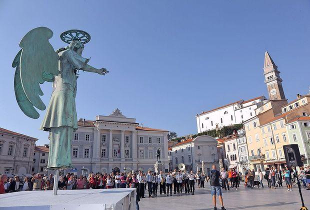 """Občina Piran: v sezoni gneča in kaos, izven nje """"mesta duhov"""""""