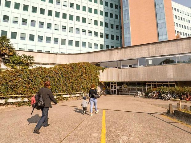 Domnevno preplačane kolčne proteze v sodni preiskavi