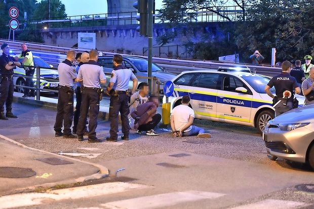 Slovenski policisti akterji drame v bližini centra Torri d
