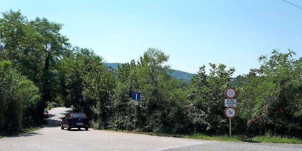 Turiste s prikolicami GPS pelje na lokalne poti