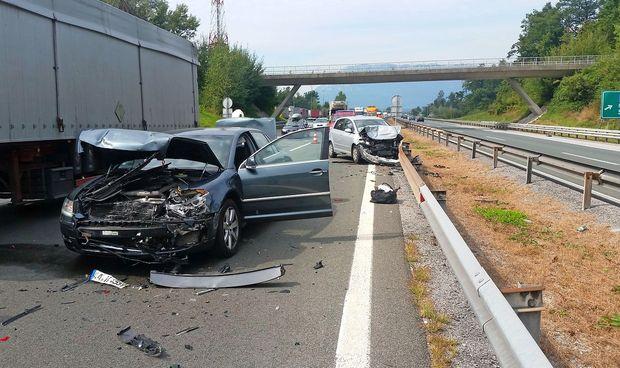 V nesreči na primorski avtocesti trčila štiri vozila