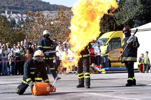 V Luko osem novih gasilcev