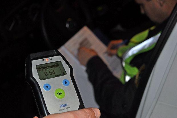 Vozniška dovoljenja so pobrali policisti