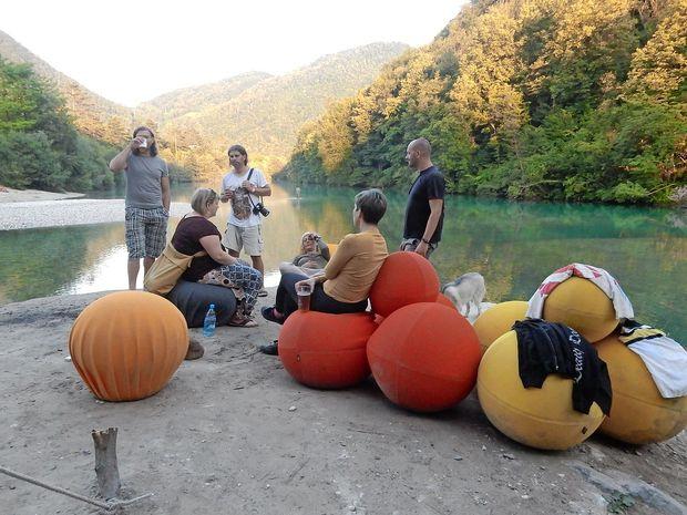Eksperimentalne pustolovščine ob reki