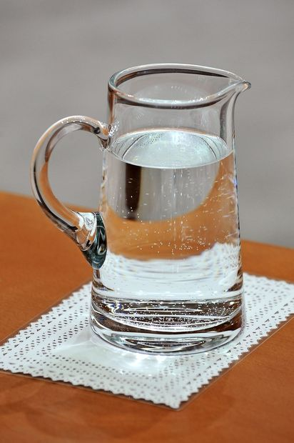Vse več dokazov, da je voda sestavljena iz dveh tekočin