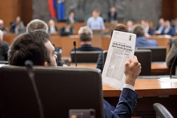 Ministrstvo pripravlja dokumente za dvotirno progo