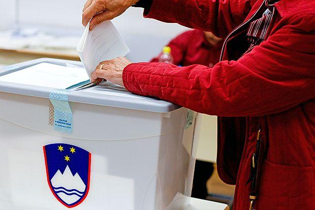 Koalicija in Levica trdita, da bi bil referendum brezpredmeten