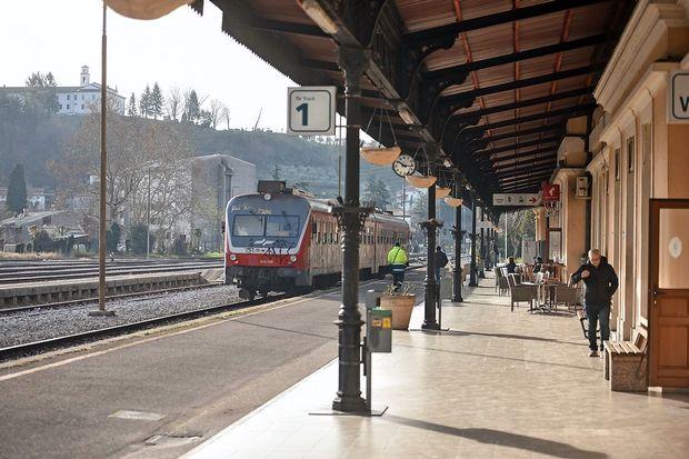 Železnice začele s spletno prodajo vozovnic