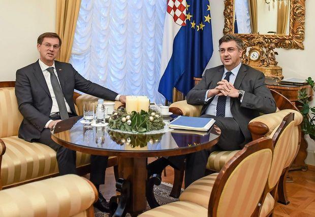 Cerar in Plenković se nista srečala, da bi se dogovorila