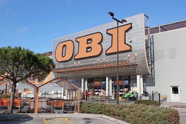 Zaposlenim v Obiju zagrozili z odpovedmi