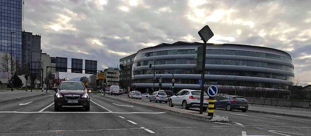 80 zaposlenih iz banke Intesa Sanpaolo v službo v Ljubljano z vlakom?