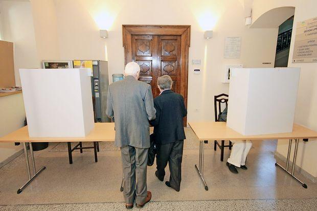 V nedeljo bo najverjetneje volilo manj kot pol državljanov