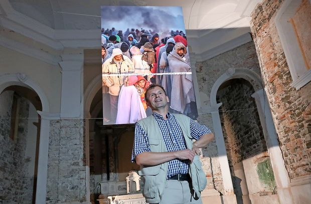 Begunci v zavetju cerkve na piranski Punti