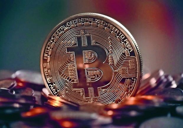 V Kranju prvi spomenik kriptovalutam na svetu