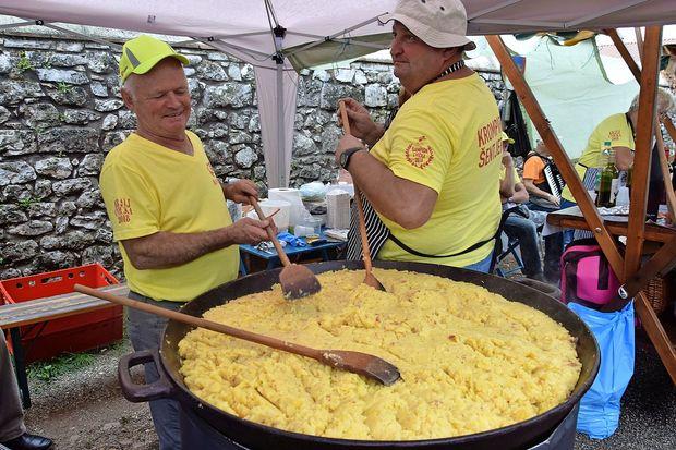 Oda praženemu krompirju