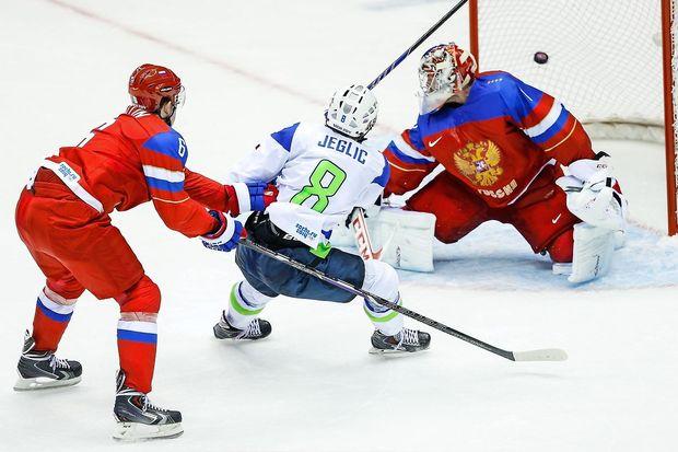 Ruski hokejisti pretrd oreh za slovenske rise