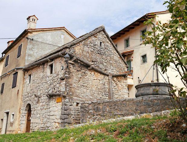 Dolga pot do odloka o varstvu kulturnih spomenikov