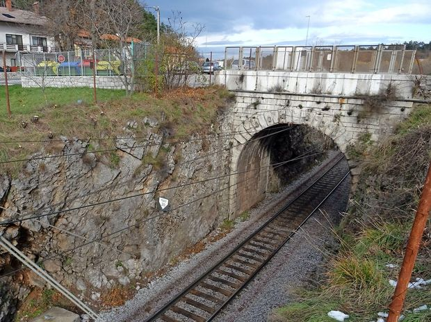 Kamniti most pri Rodiku bo zamenjal betonski