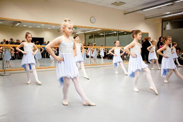 Uredili prvo baletno dvorano v regiji