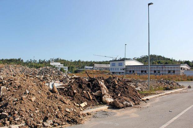 Postojnska občina ponovno prodaja zemljišča v Velikem Otoku