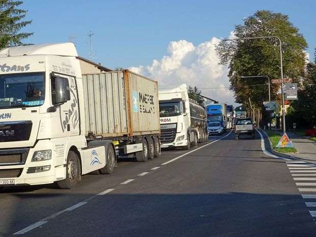 Trasa na Hruševje kot kompromis?