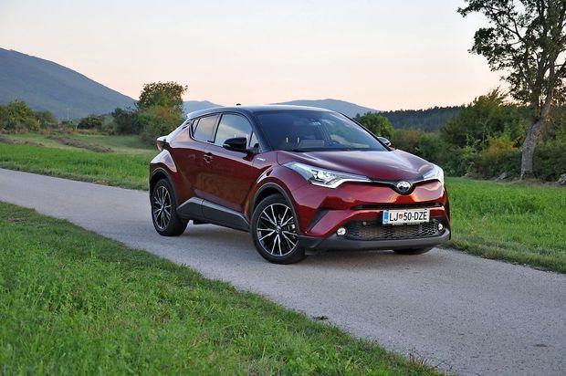 Kako varčen je najbolje prodajani hibridni avto v Sloveniji