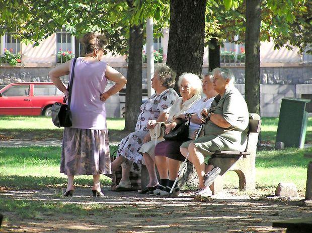 Za oskrbo starih in enakost bolnih
