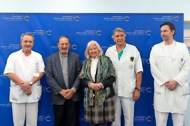 Vstavitev srčnega spodbujevalnika brez kirurškega reza, najsodobnejša svetovna metoda tudi v UKC