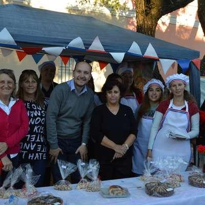 Na festivalu v Cerritu v Argentini so izseljenci, ki pripadajo tudi že šesti generaciji Slovencev, prodajali potice otrok.