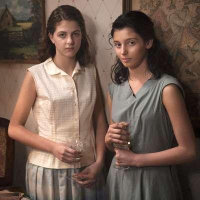 Margherita Mazzucco (levo) kot Elena in Gaia Girace kot Lila sta se  v Genialni prijateljici prvič preizkusili pred filmsko kamero.