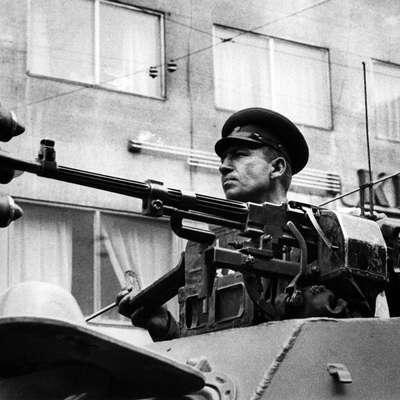Praško pomlad so v noči na 21. avgust 1968 zatrli  vojaki -    države varšavskega  pakta  so jih angažirale kar pol milijona. Foto: František Dostal / František Dos