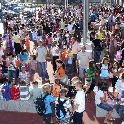 Novembra lani so na OŠ Koper učenci priseljenci, ki se v letošnjem  šolskem letu prvič šolajo v slovenskem šolskem sistemu, uspešno  zaključili začetno učenje slovenščine. Fotografija je simbolična.   Foto: Zdravko Primožič/FPA