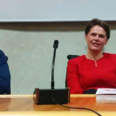 Alenka Bratušek in Tadej Golob sta knjigo pred dnevi predstavila tudi v Novi Gorici.       Foto: Ana Cukijati