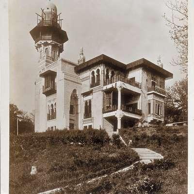 Sto let vzhodno-zahodne vile