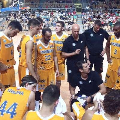 Tudi drugi del naporne šestdnevne trilogije v domači dvorani   Bonifika so košarkarji Sixt Primorske opravili z odliko.  Foto: Zdravko Primožič/FPA
