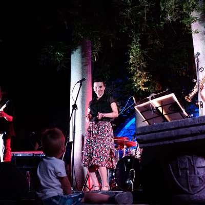 Festival Jeff se seli na septembrski termin, prizorišče ostaja enako  - vrtovi Pokrajinskega muzeja Koper. Foto: Tadej Gorup