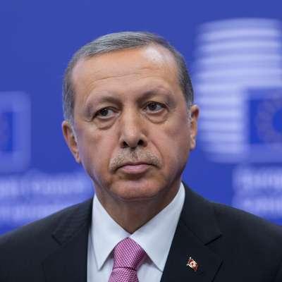 Imenovanje Erdoganovega zeta za finančnega ministra  je že  vplivalo na trge. Zaradi nepričakovane poteze je namreč turška lira  izgubila 3,5 odstotka vrednosti. Foto: STA