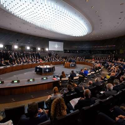 Vrh zavezništva  je Makedonijo povabil k začetku pristopnih  pogovorov o članstvu v Natu.  Foto: STA